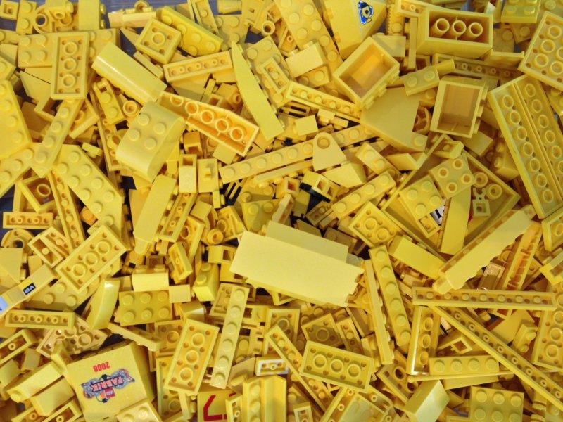 1 kg lego gelbe teile lego kiloware steine. Black Bedroom Furniture Sets. Home Design Ideas