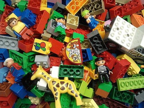 1 kg lego duplo bausteine duplosteine maennchen auto tier. Black Bedroom Furniture Sets. Home Design Ideas